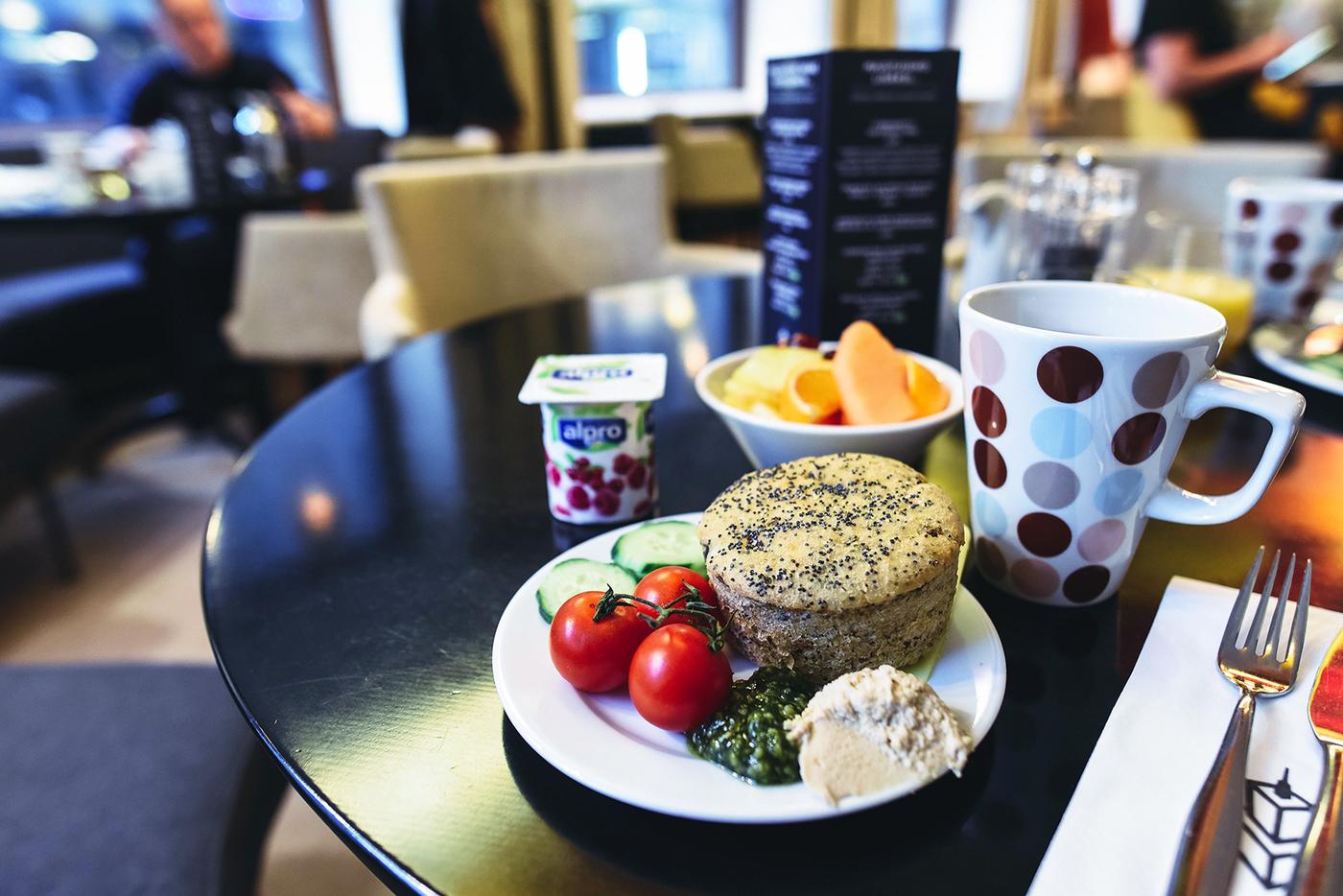sokoshotels-erikoisaamiainen-vegaaninen-gluteeniton-hotelliaamiainen-sundayblondie-2.jpg