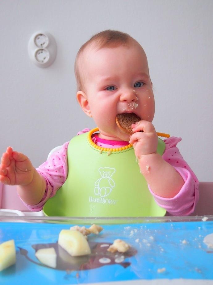 Sormiruokailu osa 1, sotkua ja nälkäiseksi jäänyt lapsi?