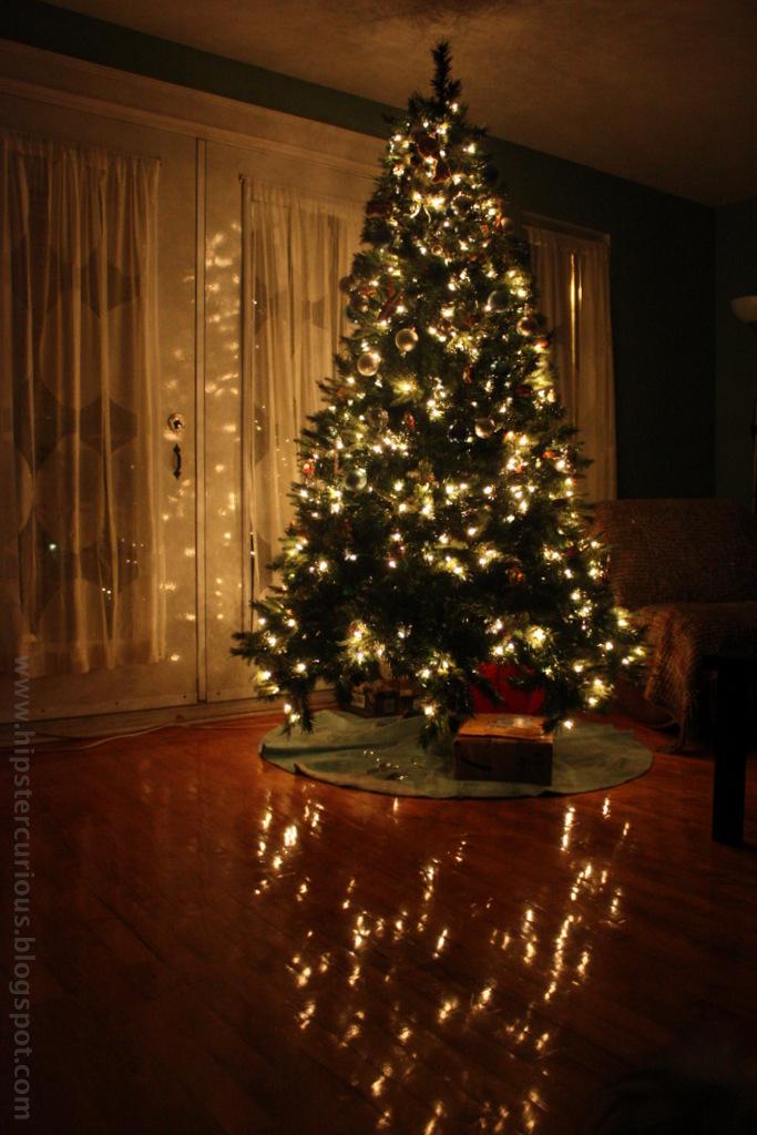 christmas_tree_2012_by_katri.jpg
