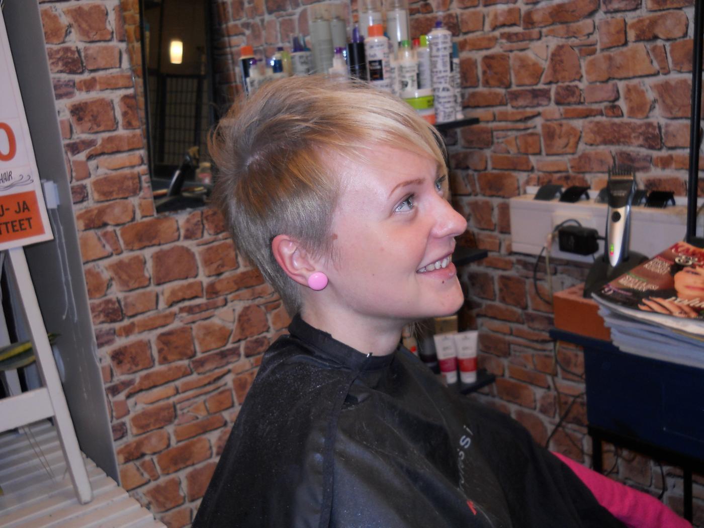 Musta lesbo hiukset