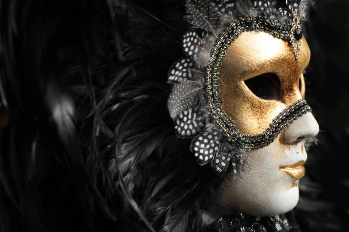 Venetsialainen naamio.jpg