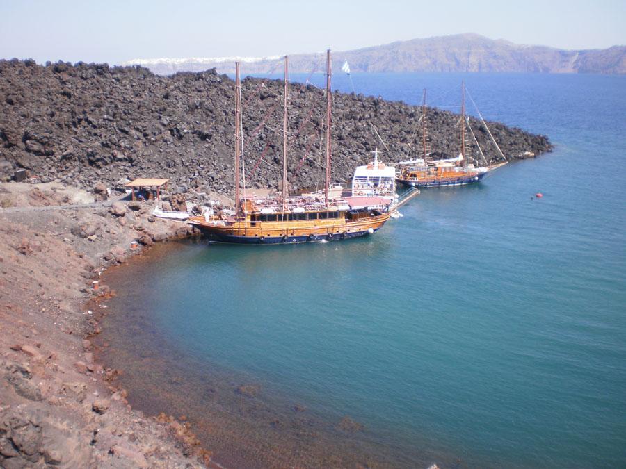 Santorini_15_retken laivoja.jpg