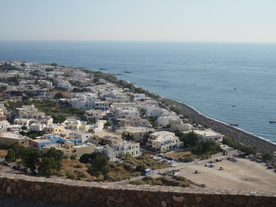 Santorini_20_Kamari_mesalta.jpg