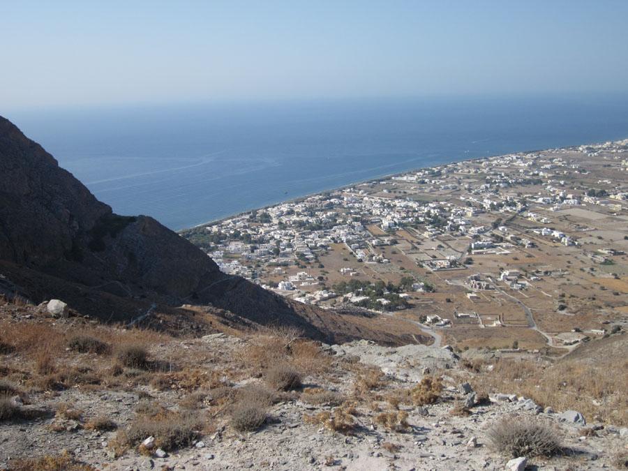 Santorini_22_Perissa_mesalta.jpg