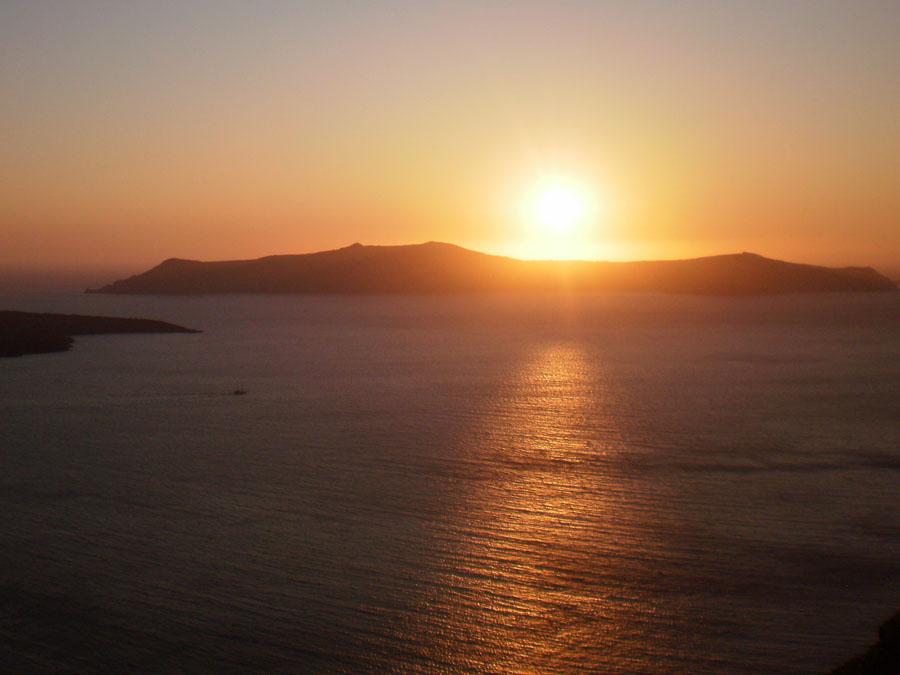Santorini_2_Firan auringonlasku.jpg