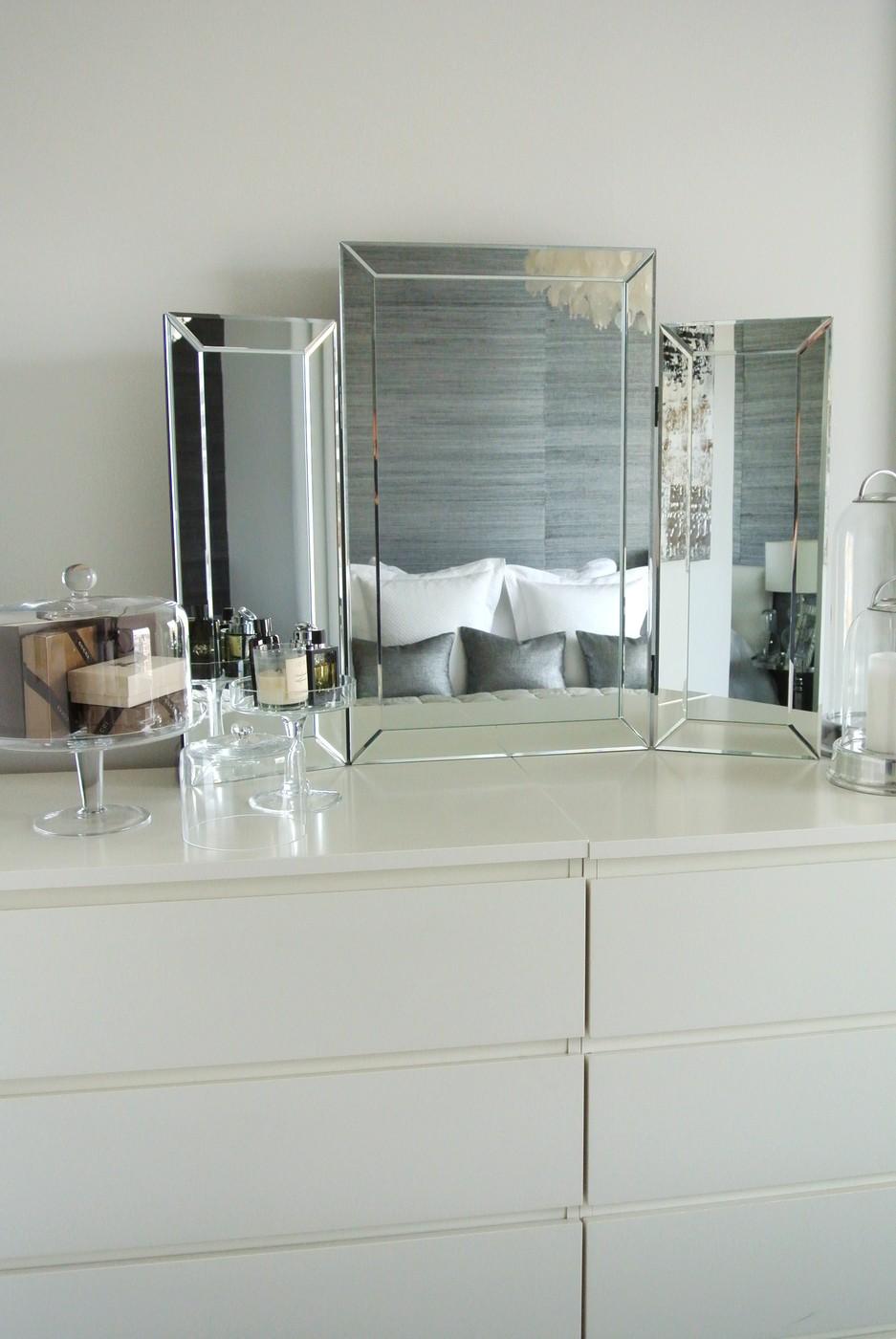 Valkoinen meikkauspöytä barokkityylinen 2