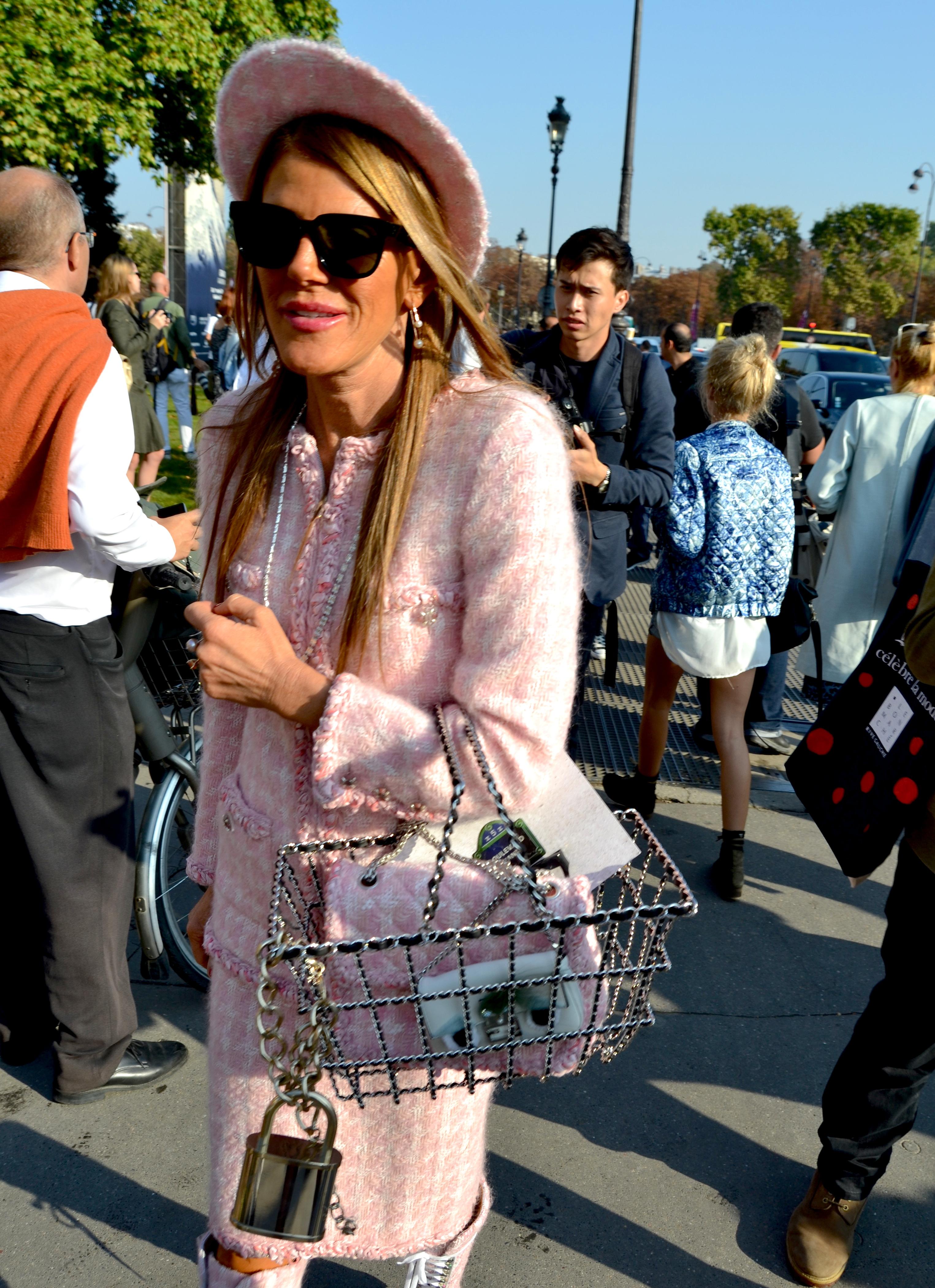 anna dello Russo outside Chanel SS2015 PFW