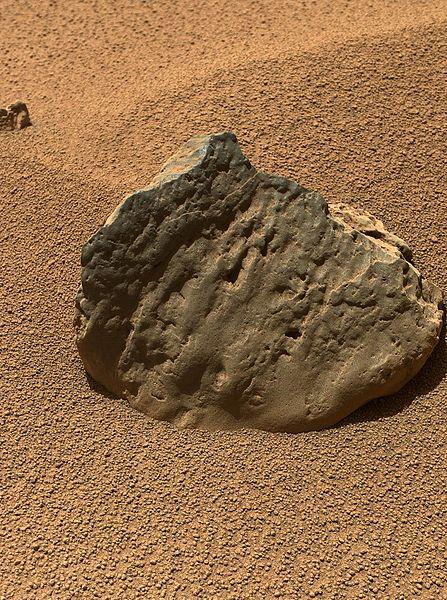 pia16236-marscuriosityrover-etthenrock-20121029.jpg