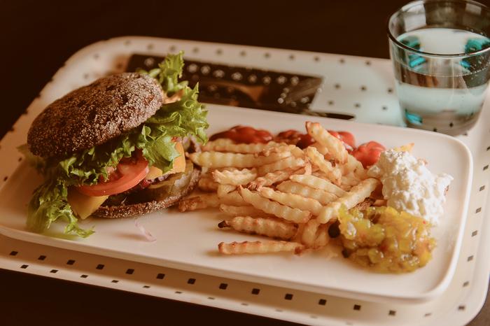 burgeri-1925.jpg