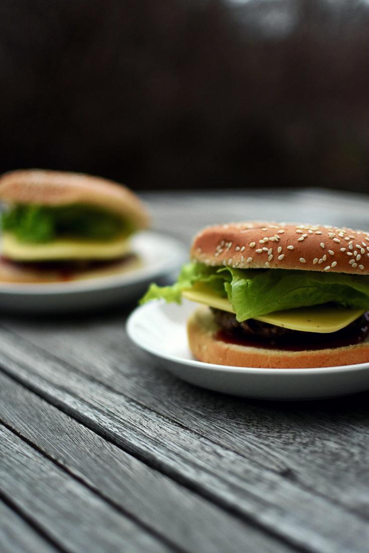 Poikaystävän mustapapuhampurilaiset & hänen suhtautumisensa vegaaniseen ruokavaliooni