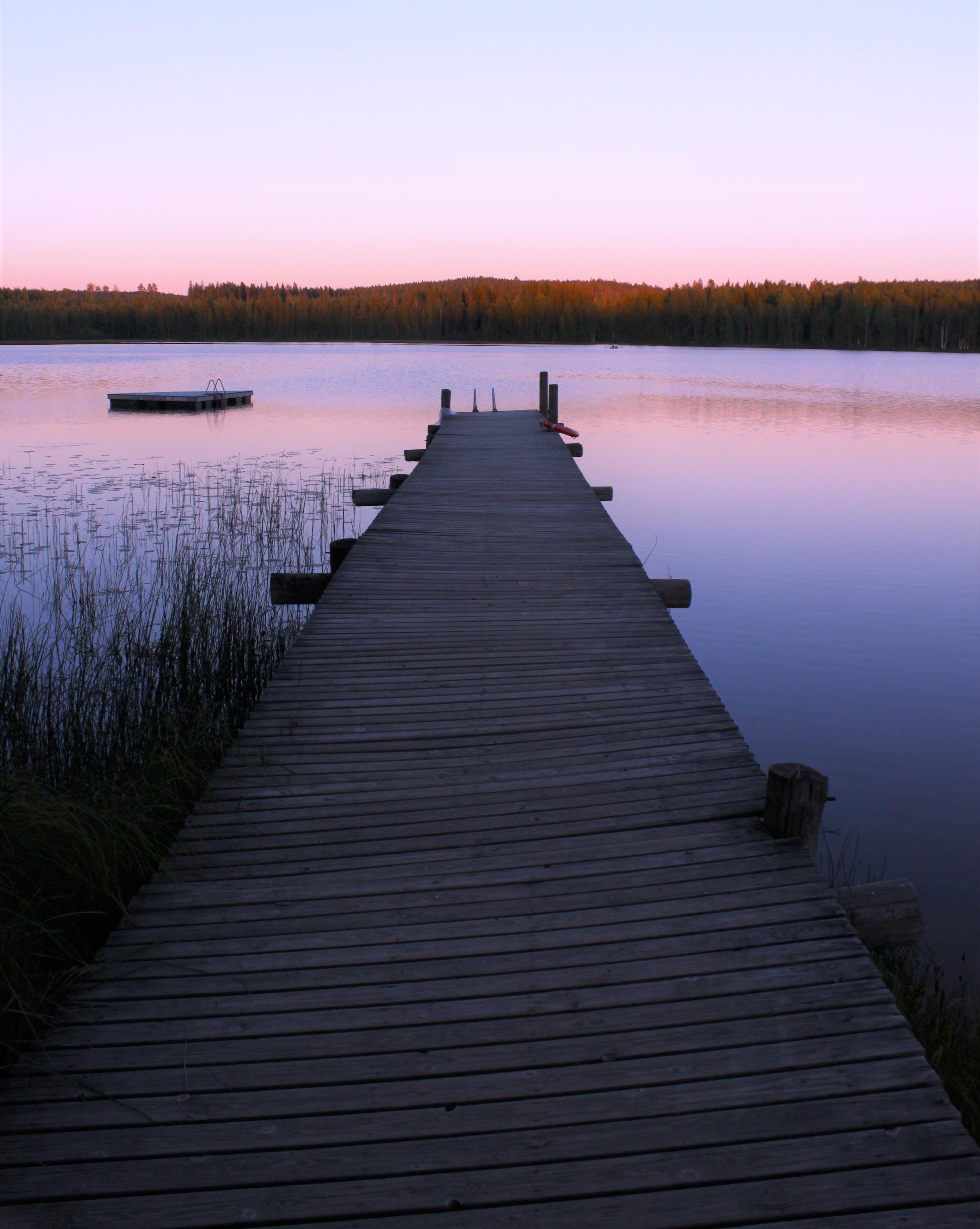 7 miljardia äärettömyyttä (5) Keuruu, järvi, Suomi, laituri, auringonlasku.JPG