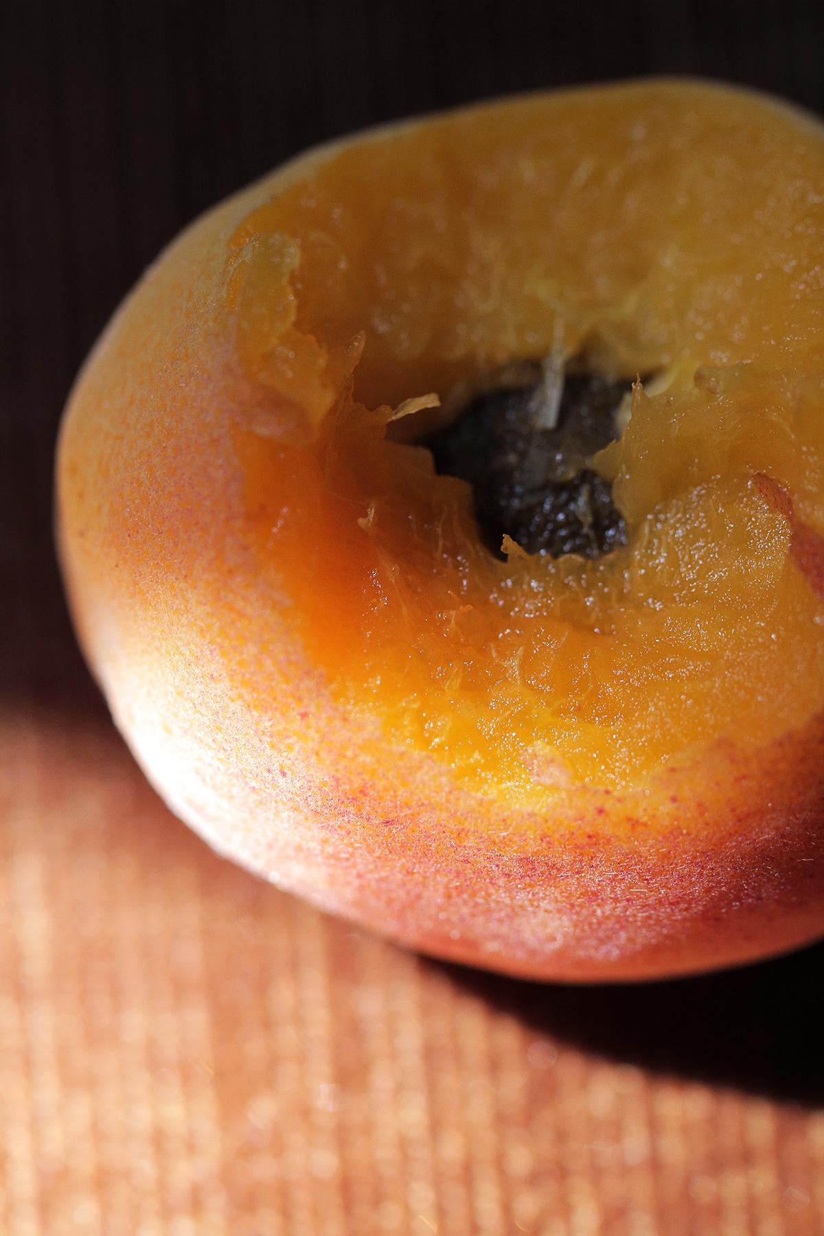 organic-apricot-fresh_0.jpg