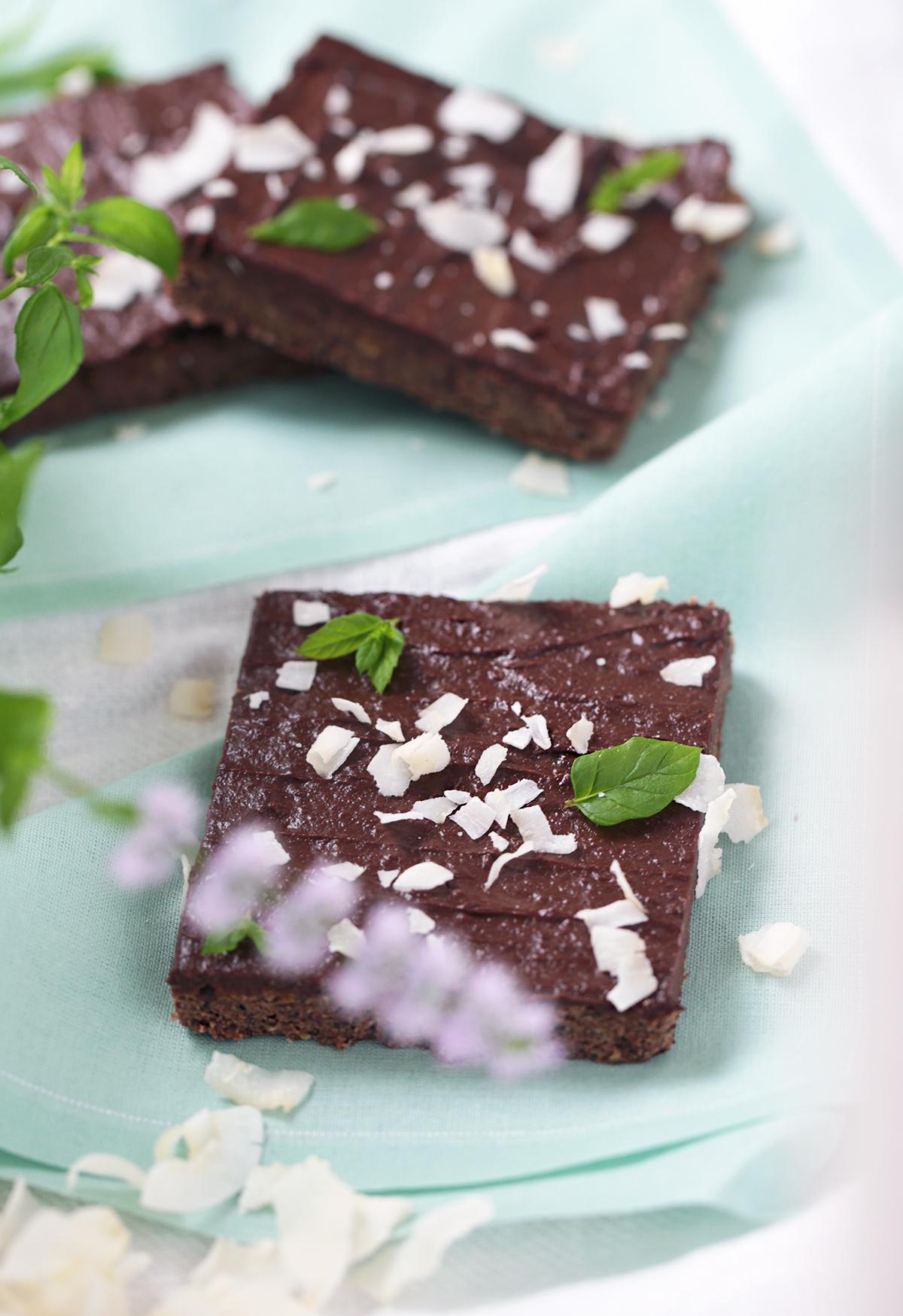 black-bean-brownie-mint-chocolate-frosting_1.jpg
