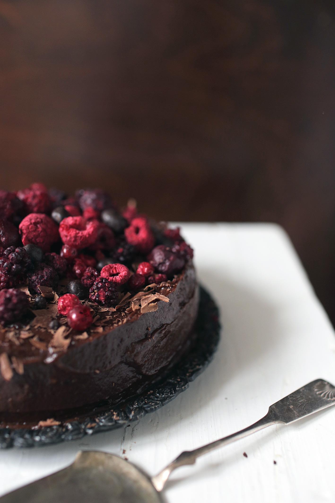 beet-root-chocolate-cake-no-gluten-no-sugar-3.jpg