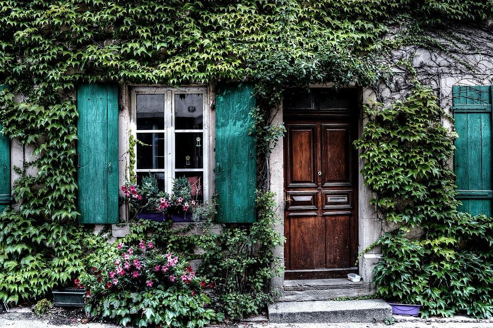 haaveissa talo, jonka ovet olisivat kaikille auki