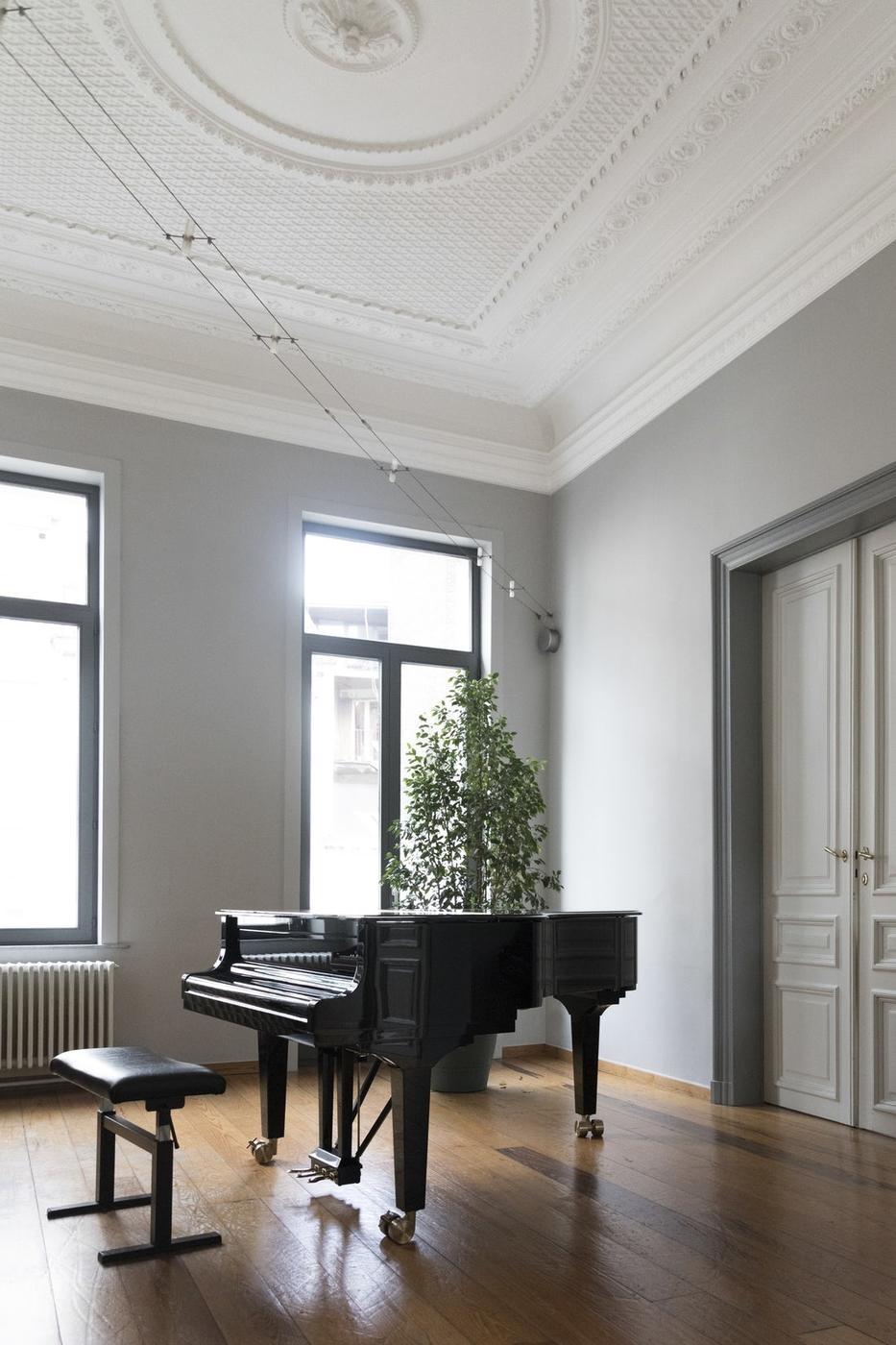 Unelmalista: flyygeli ja huone, jossa soi