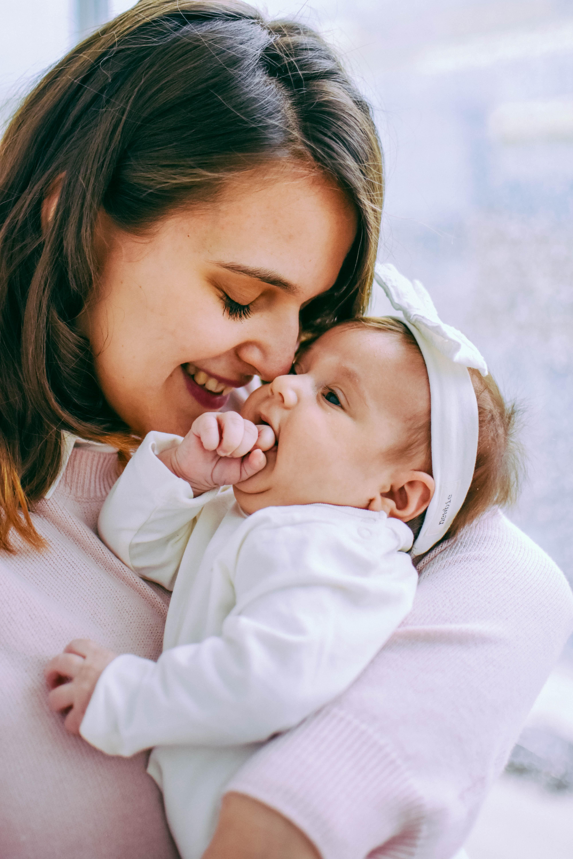 Lähes kolme kuukautta äitinä – miltä tuntuu viettää ensimmäistä äitienpäivää?