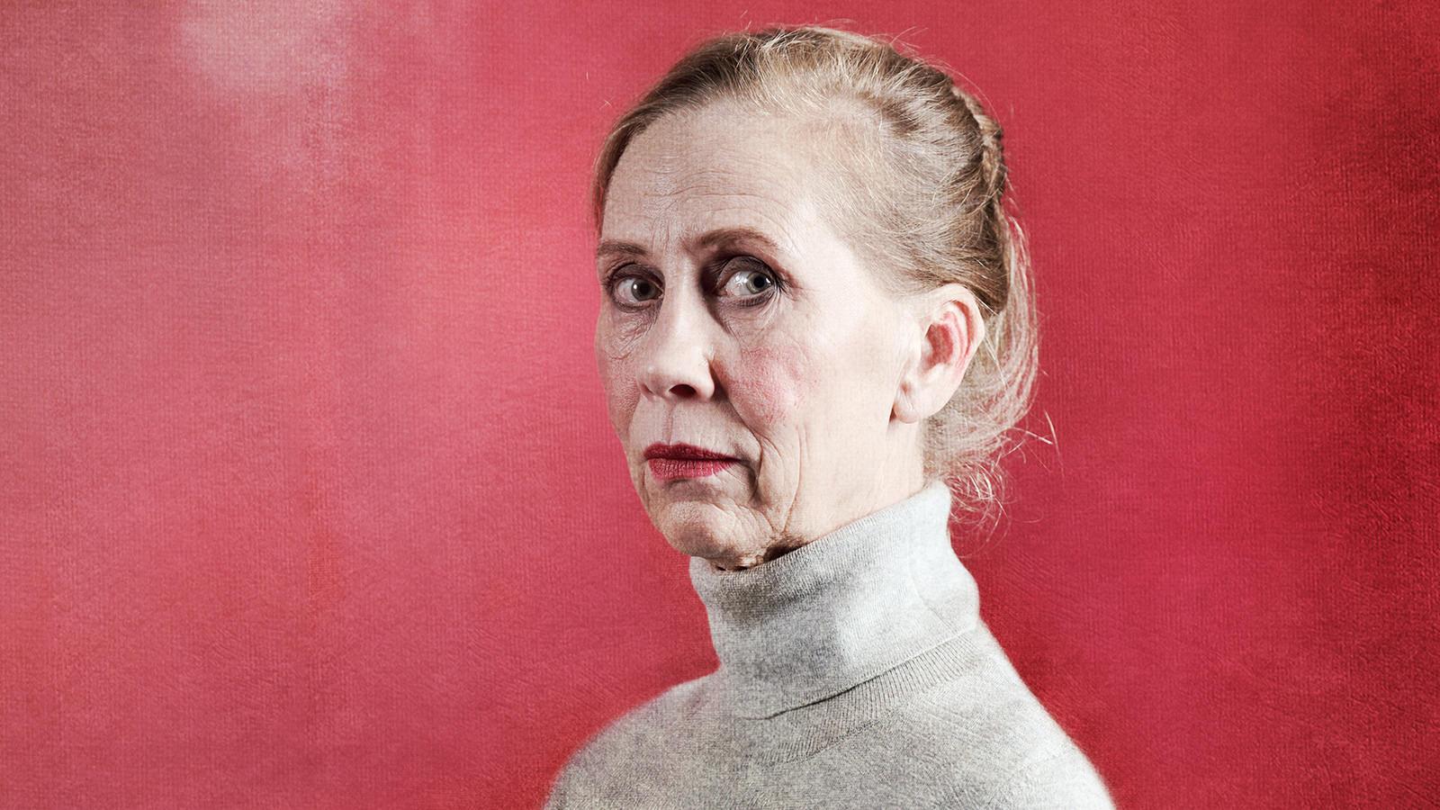 Lavalla Kati Outisen kanssa – Teatteri Jurkan Minä maalaan teidät kaikki pohtii Helene Schjerfbeckin persoonaa