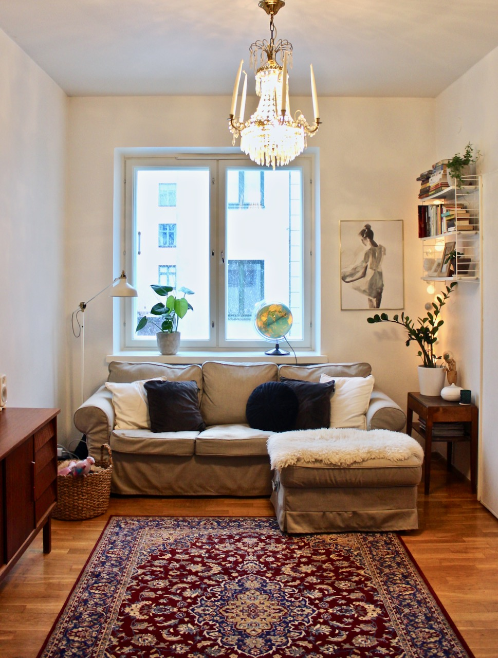 Uudet sohvanpäälliset ja olohuoneen sisustus juuri nyt