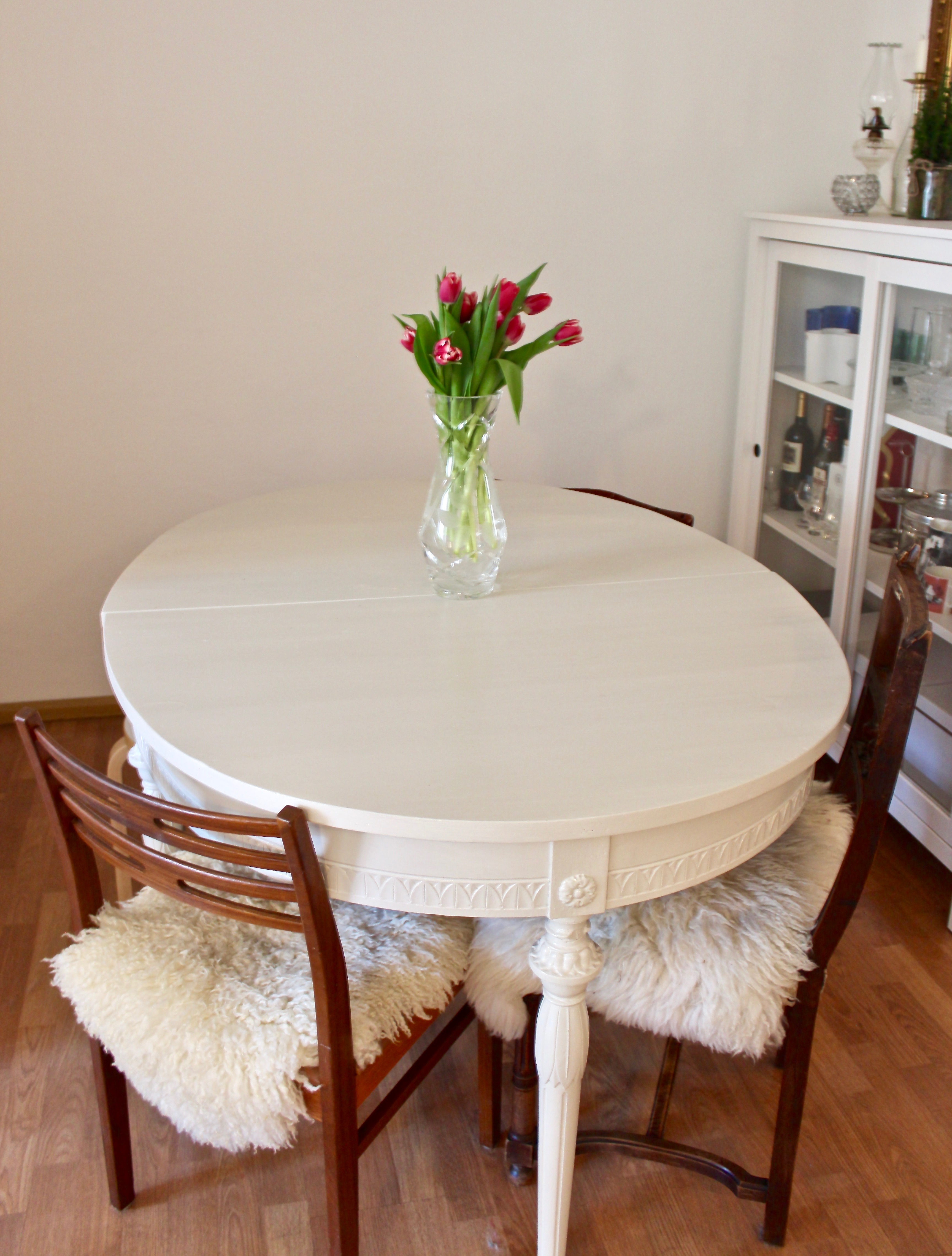 Uusi (vanha) pöytä tuli taloon