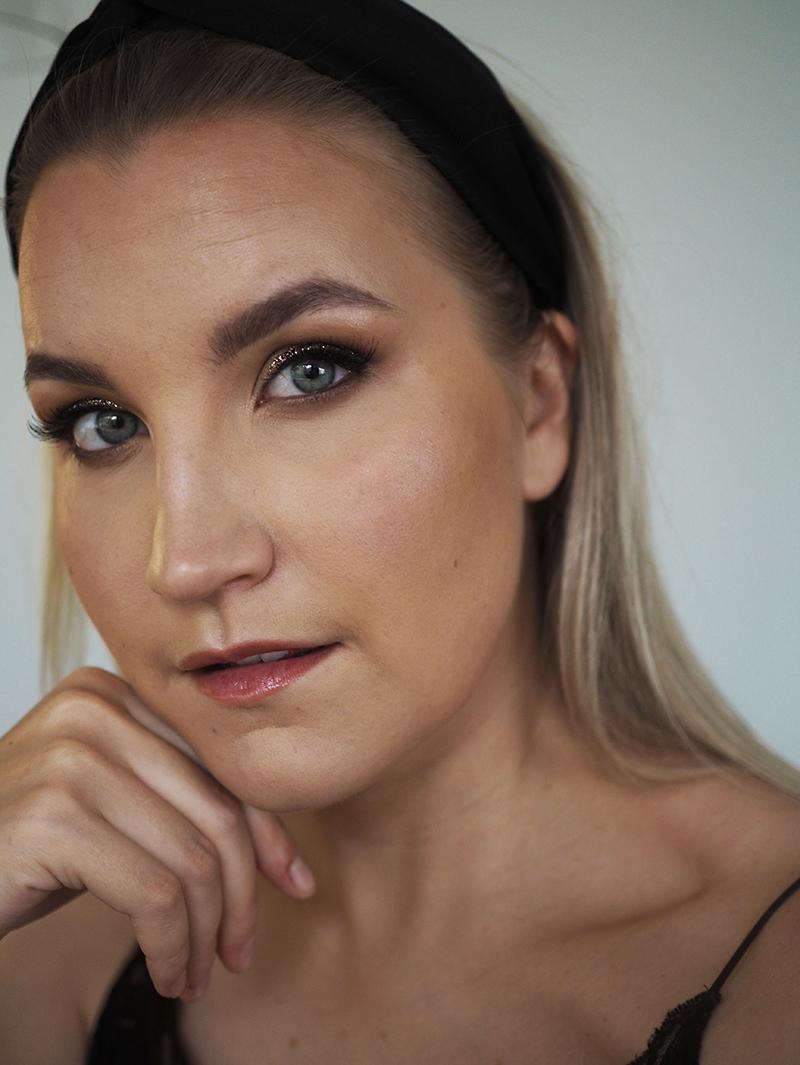pikkujoulu meikki