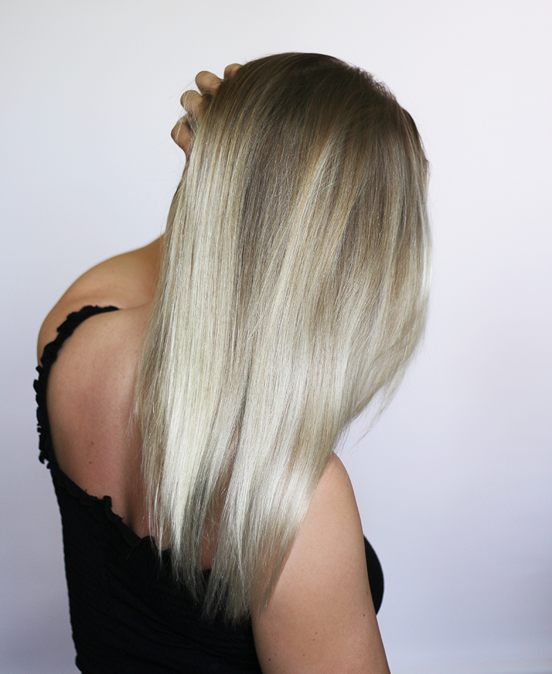 vaaleat hiukset kirkastus