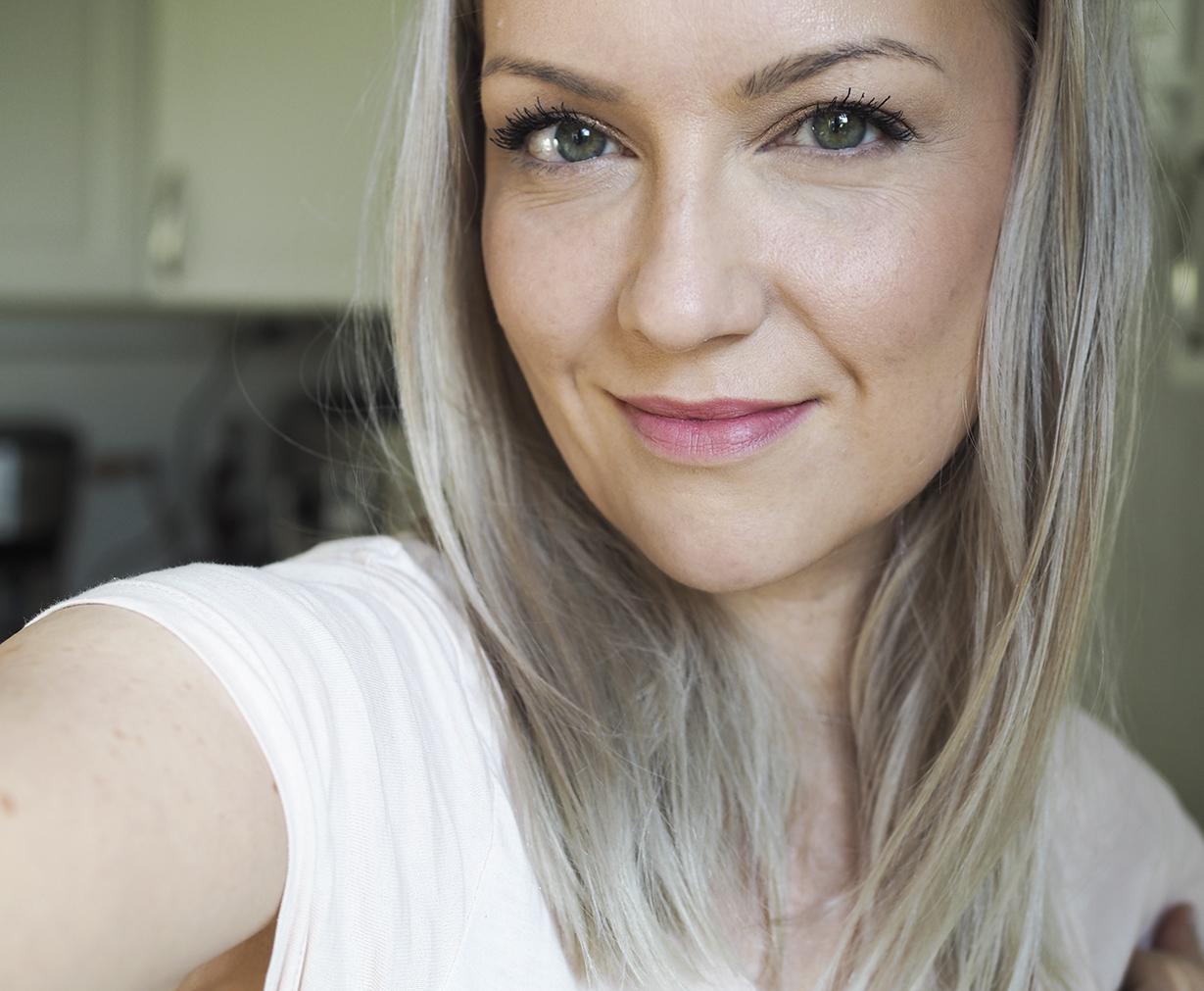 Laura Mercier Lumiere Radiance Perfecting meikkivoide