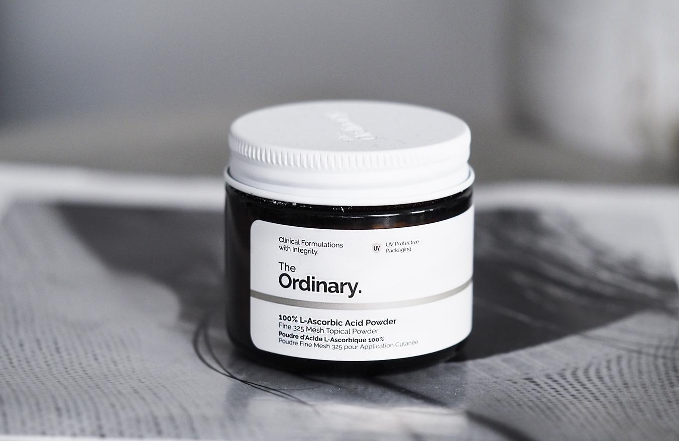 The Ordinaryn supervahva C-vitamiinijauhe ikääntyvälle iholle