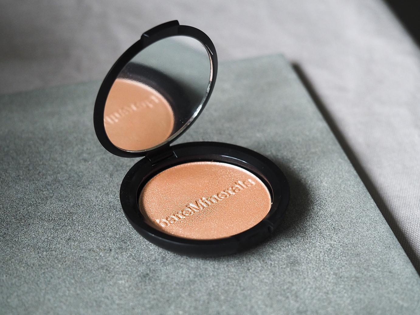 bareminerals joy highlighter