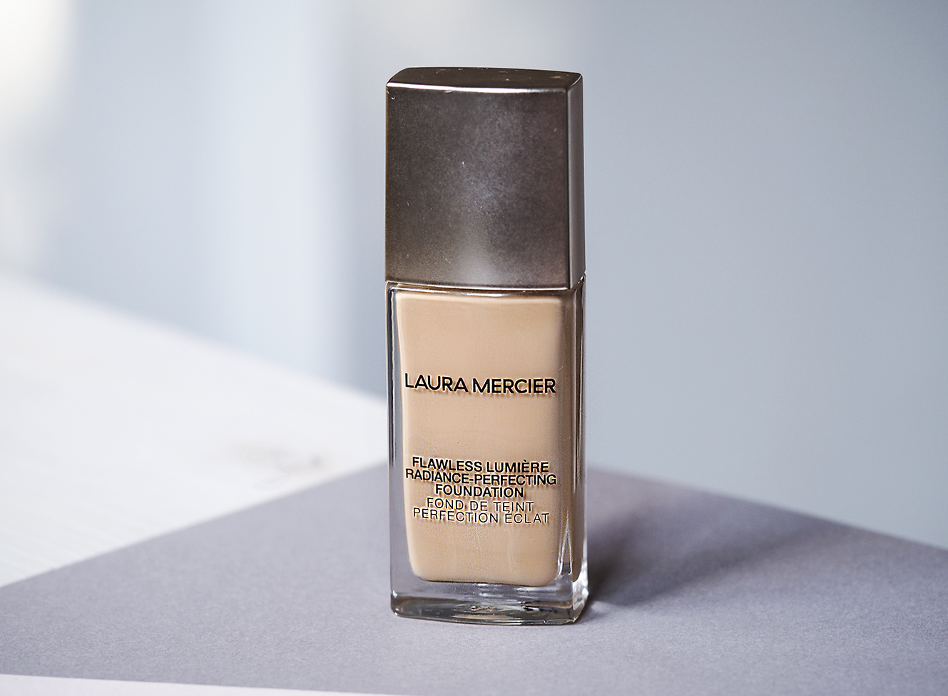 Uusi täydellinen meikkivoide – Laura Mercier Flawless Lumiere Radiance-Perfecting Foundation