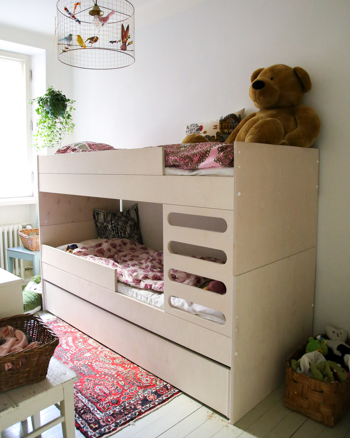 AVA Room - Kerrossänky