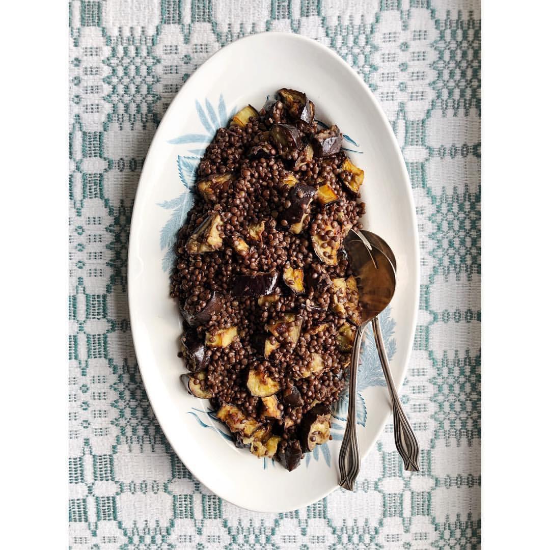 Gastronaatti - Munakoiso ja belugalinssit
