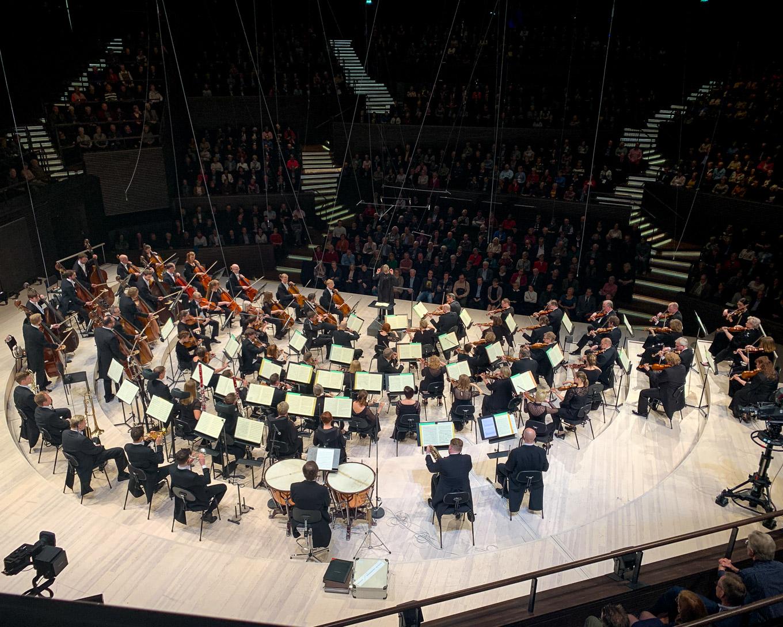 Helsingin kaupunginorkesterin kohtalonsinfonia nosti ihon kananlihalle