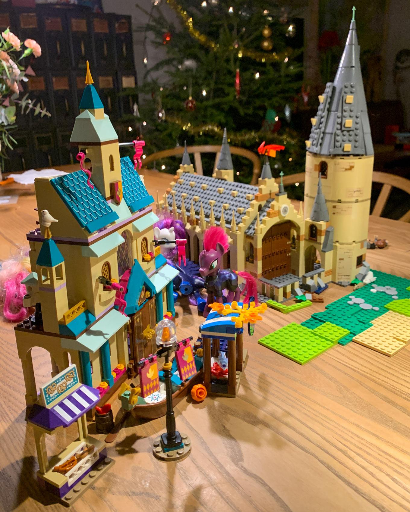 Lego Arendelle ja Tylypahka