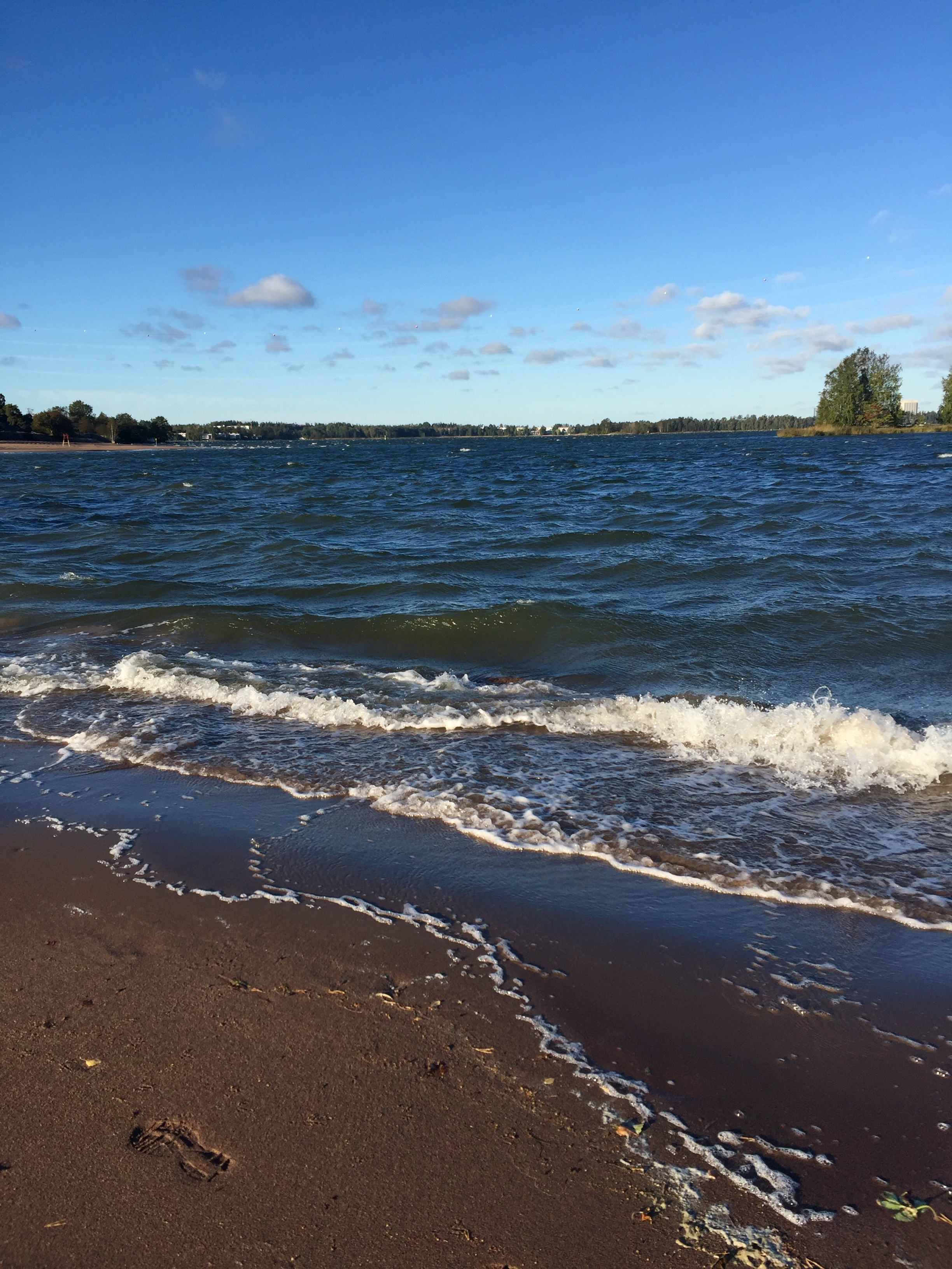 ranta_meri_aallot