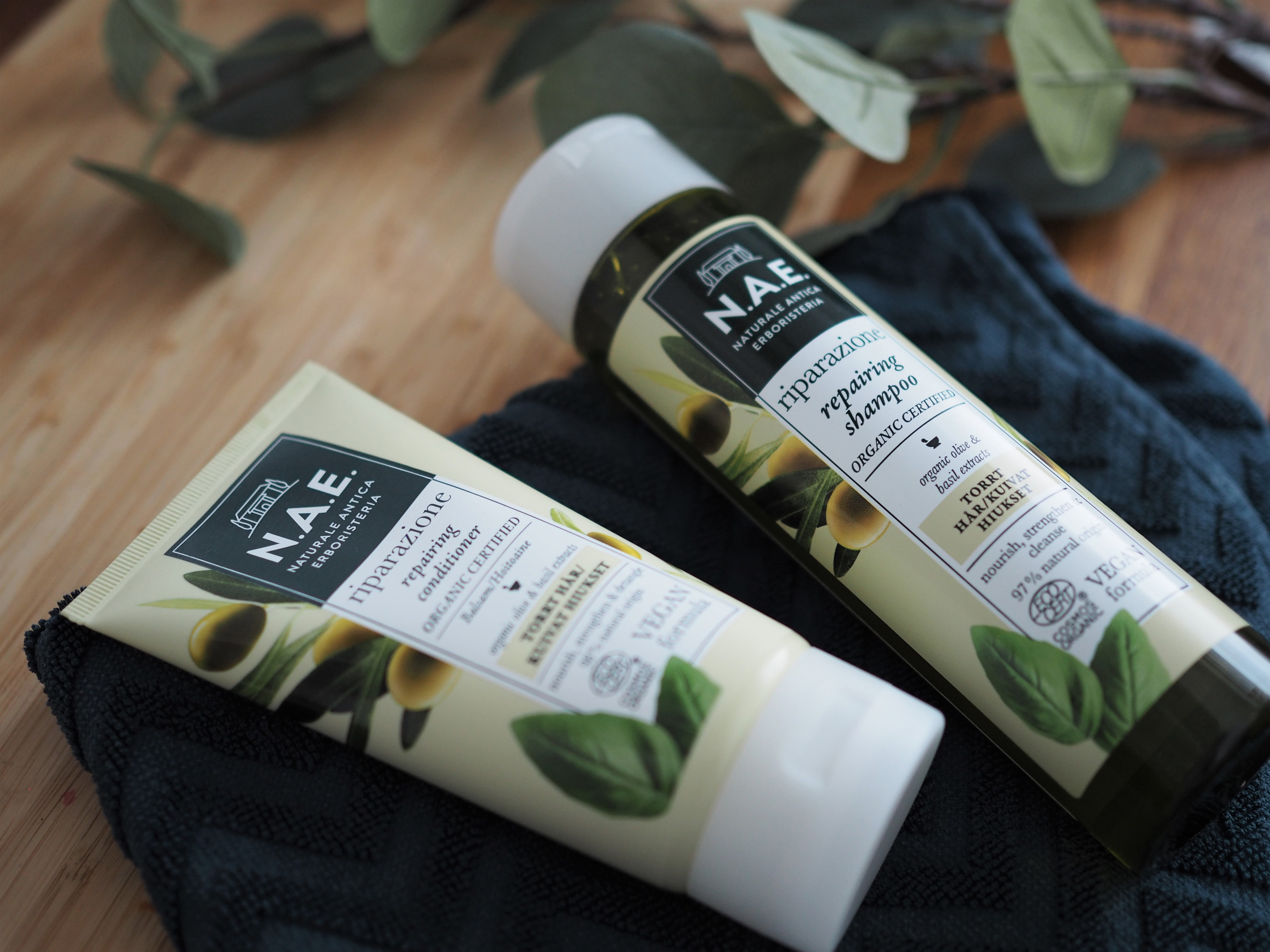 Testissä: N.A.E. repairing shampoo ja hoitoaine