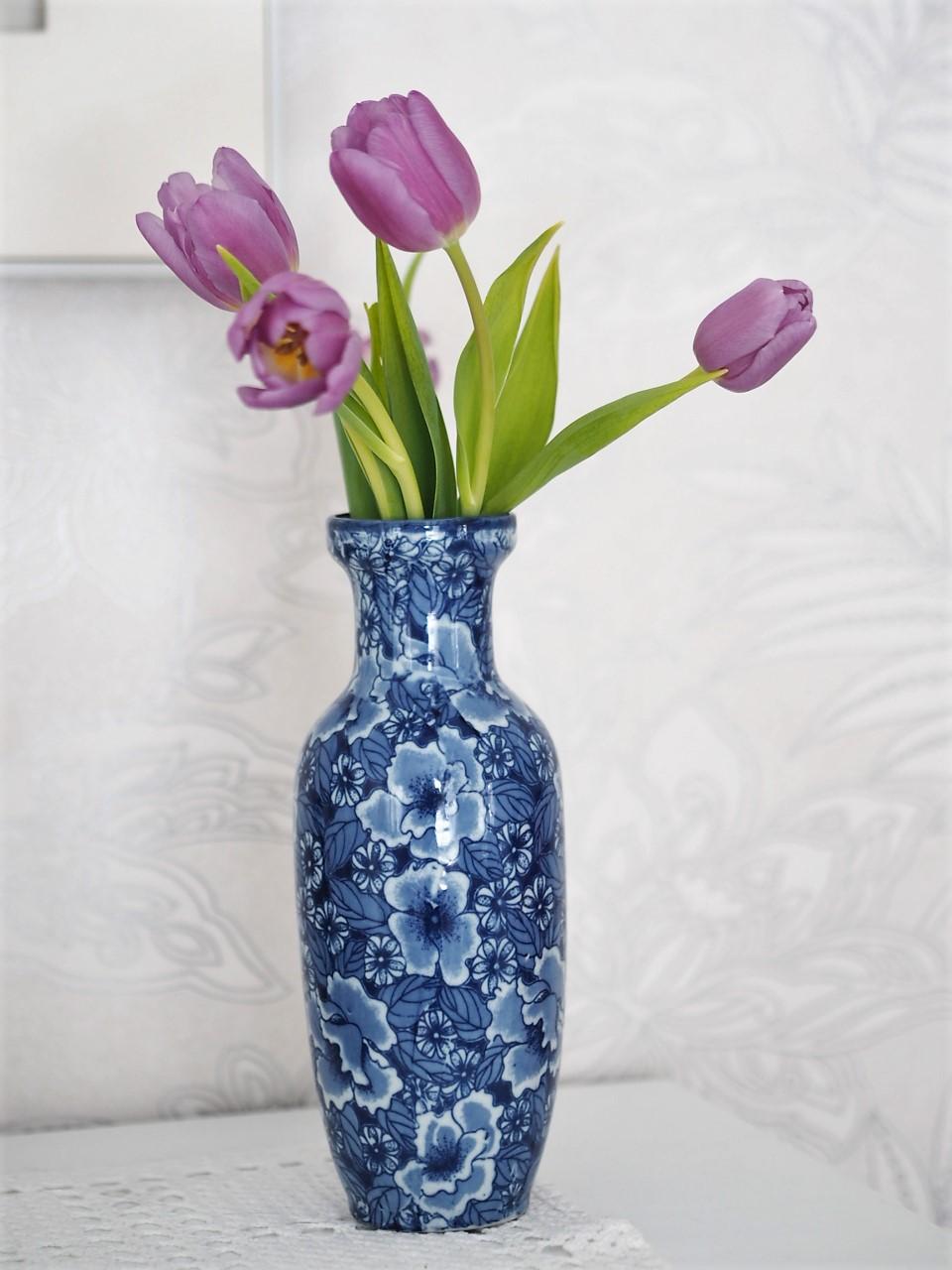 Viikon kirppislöytö: Hempeä kukkamaljakko