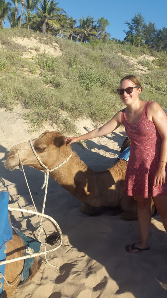 Crazy Camel Lady -elokuva ja muistoja Australian outbackista