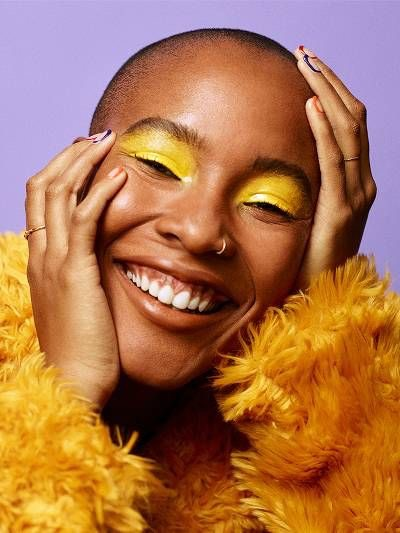 Kevään meikkitrendit: värikkäät luomet