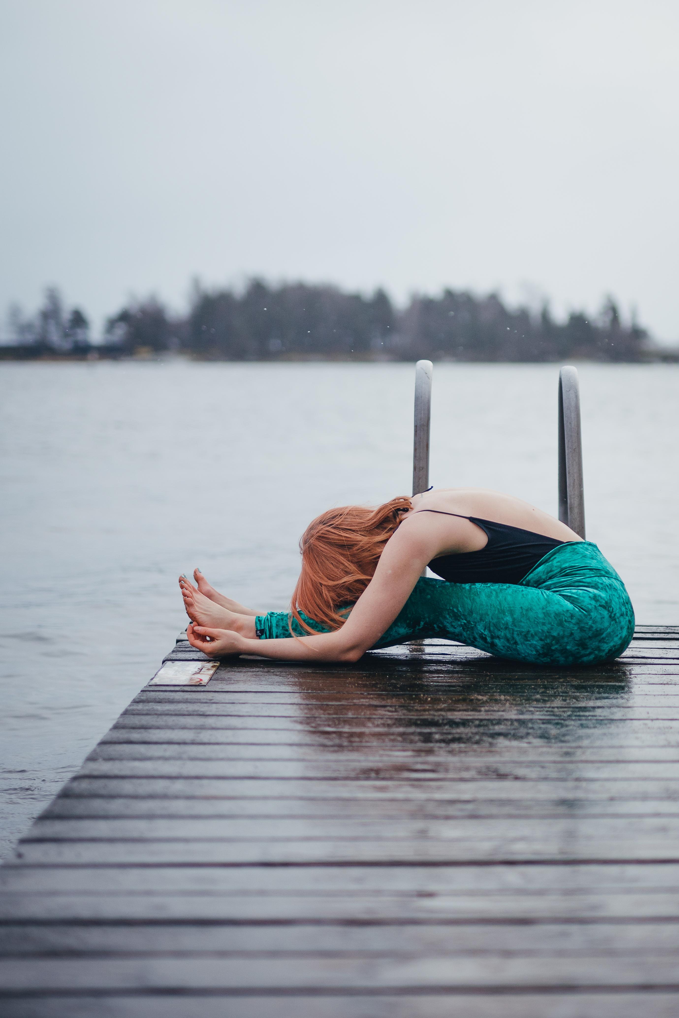Sisälläni asuu meri, ikuisen muutoksen sininen syli (kiinalaisen lääketieteen vesielementistä)