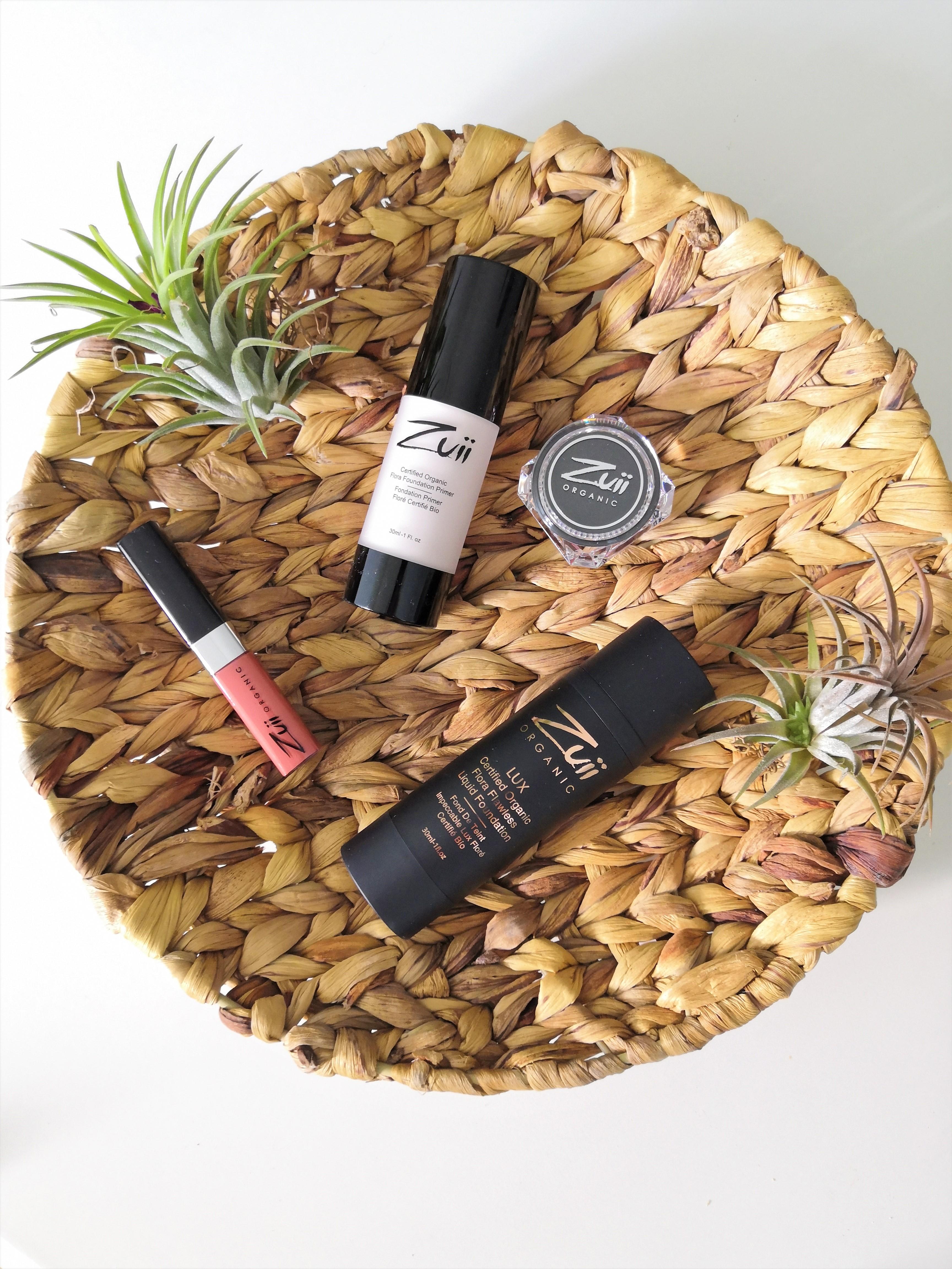 Kaunis meikkipohja luonnonkosmetiikan tuotteilla
