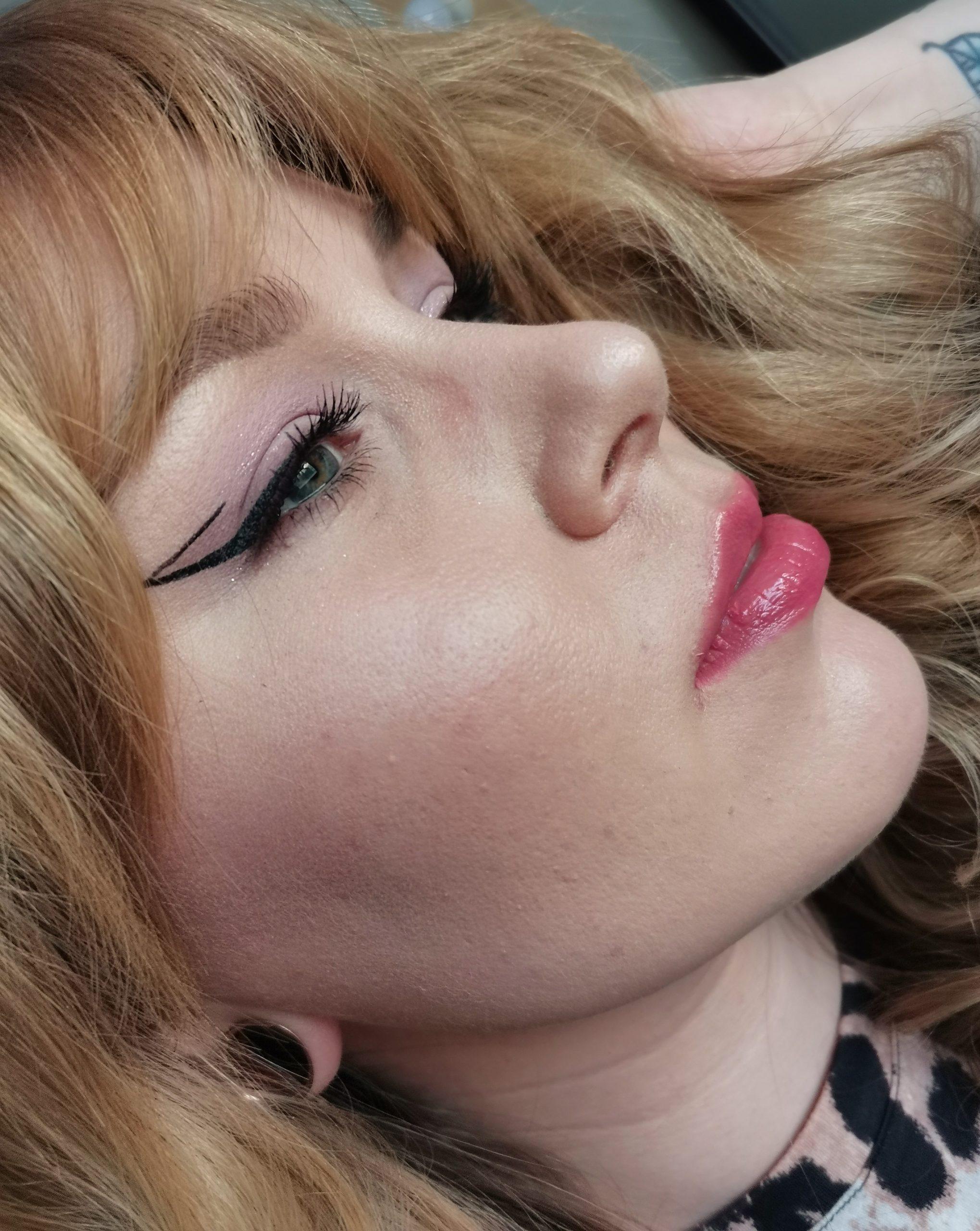 Kevään meikkitrendi: Hempeät pastellit