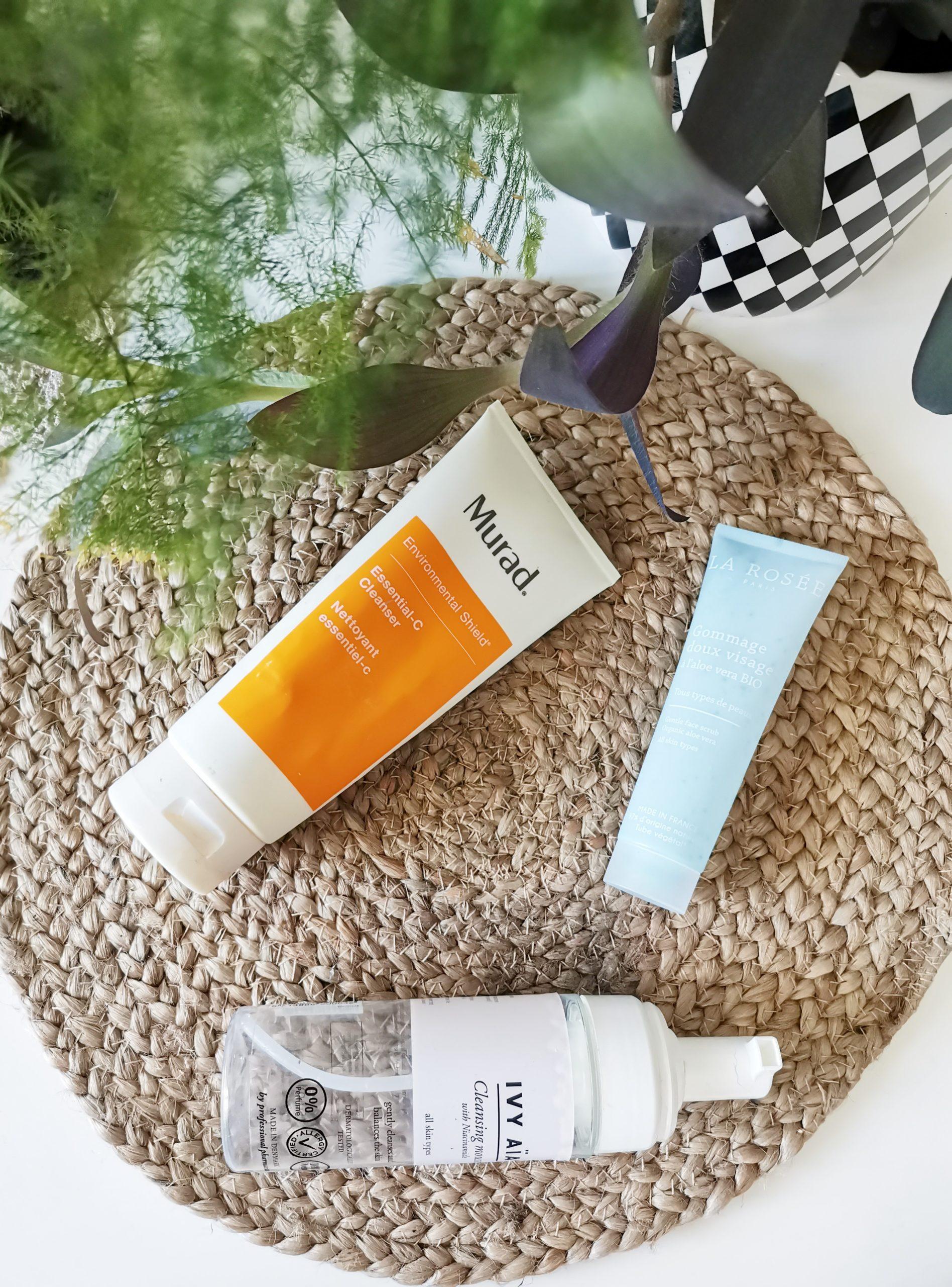 Empty bottles: Loppuneita ihonhoitotuotteita ja meikkejä
