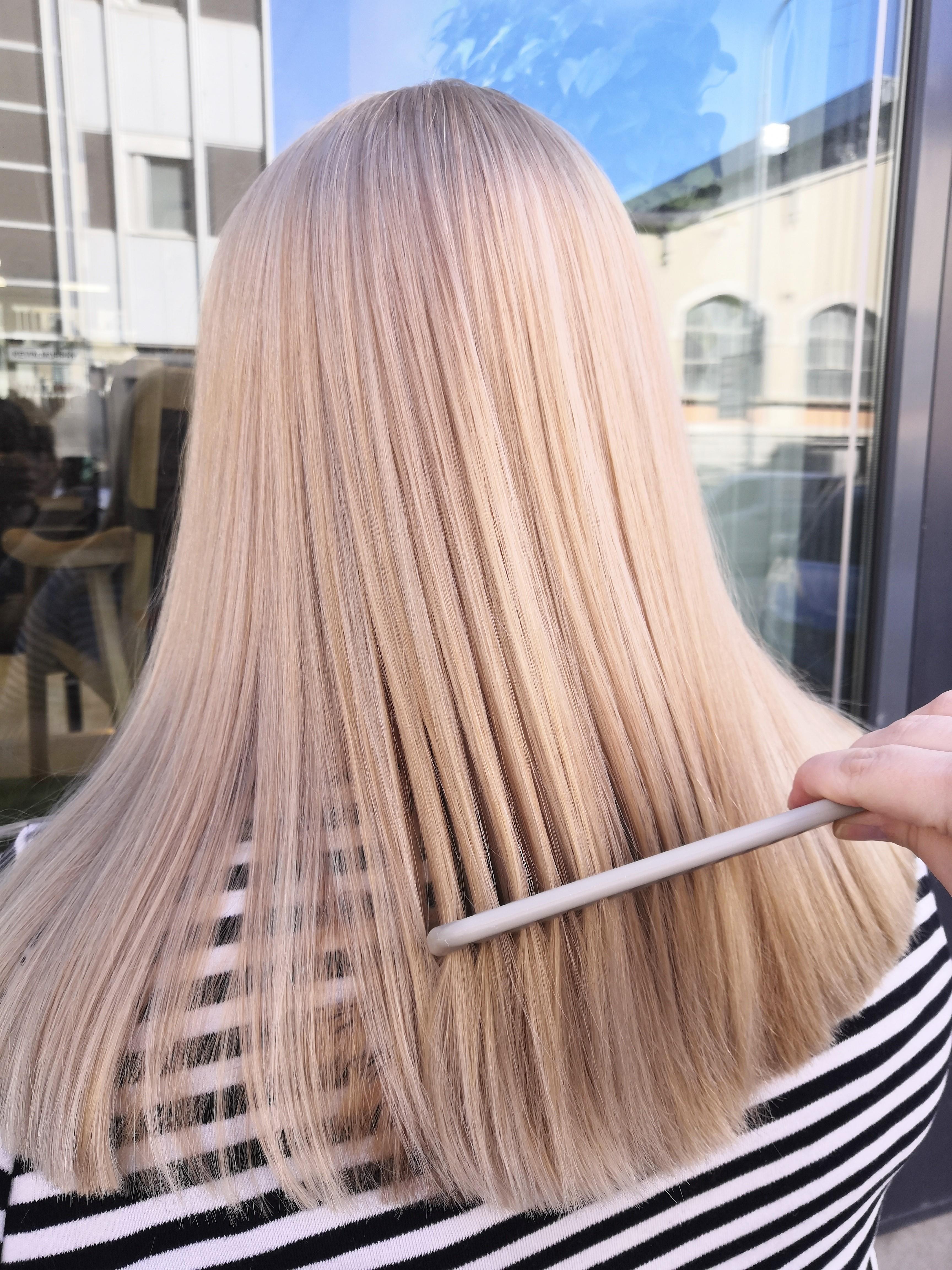 Hiusväritrendit vaaleille hiuksille