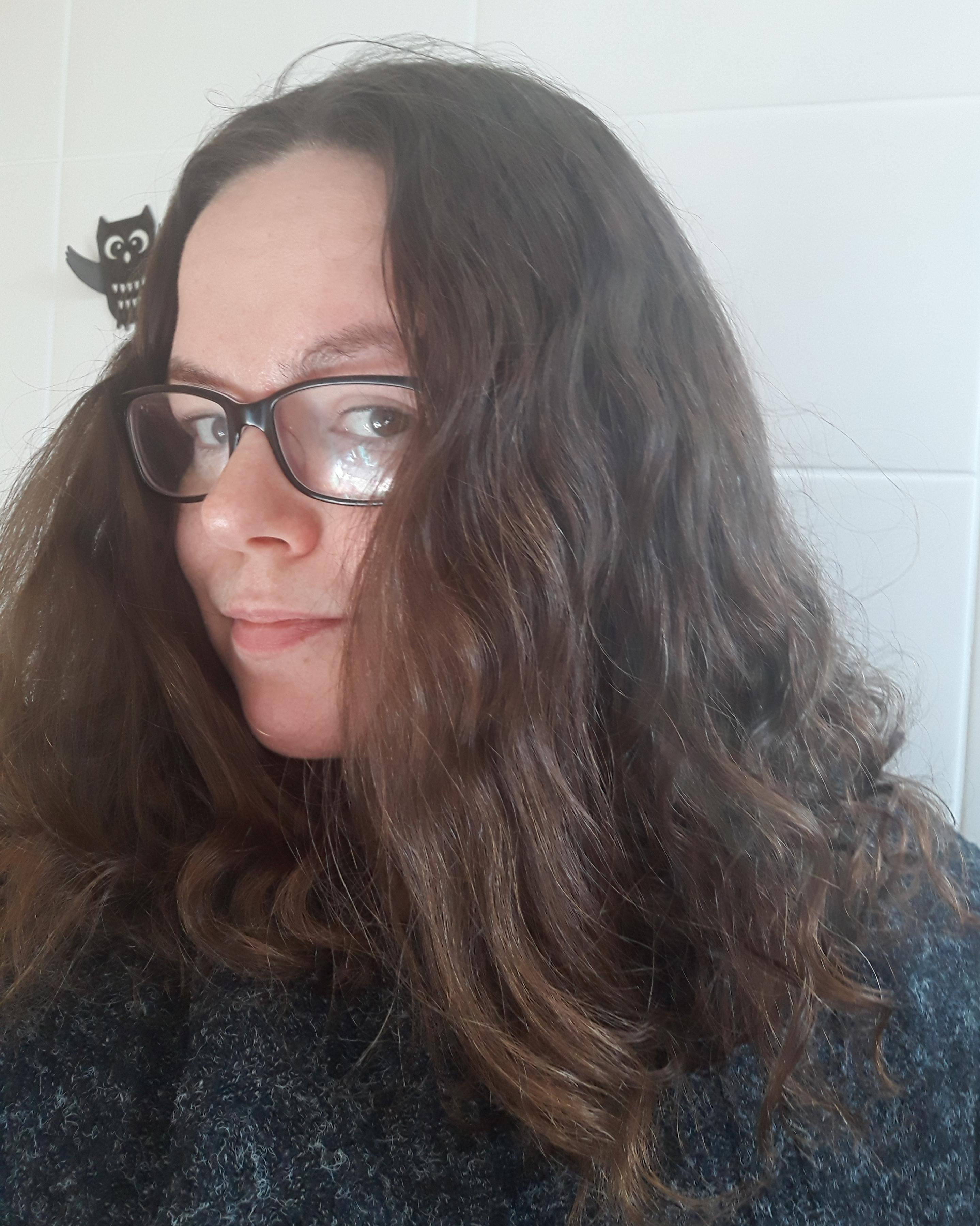 Taas hiuksien kimpussa