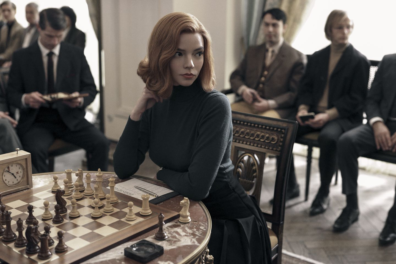 Viime aikojen suosikkiasioita: shakkia ja yliampuvan romanttista draamaa