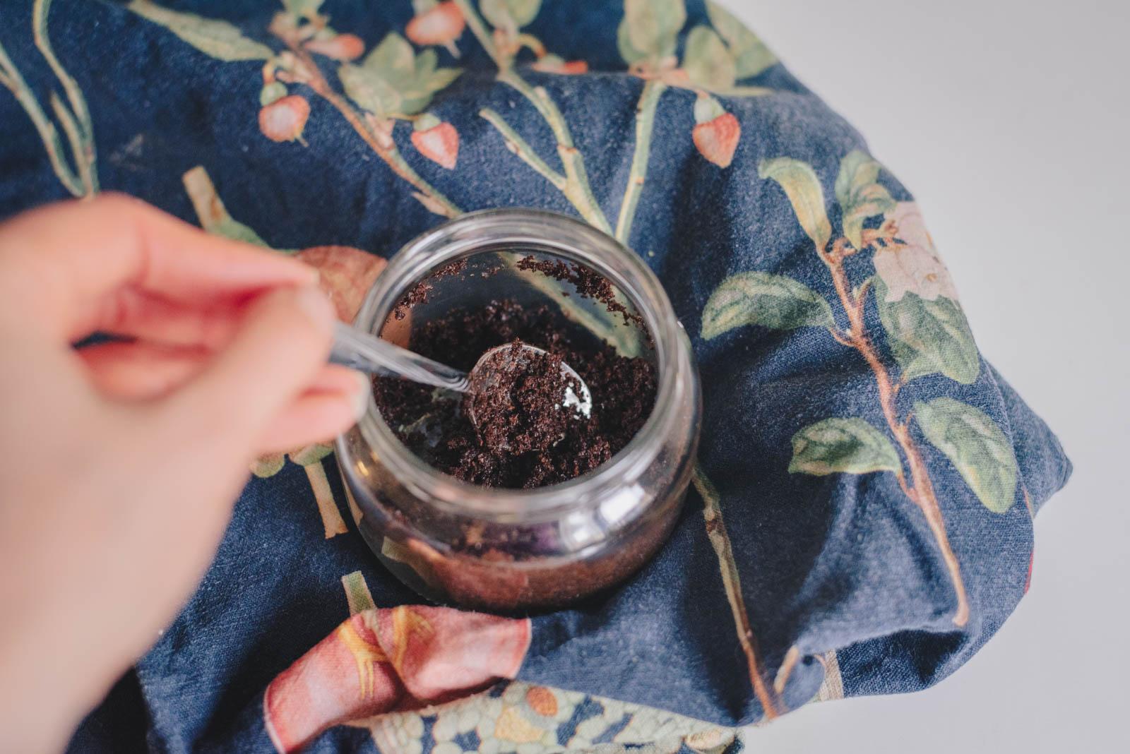 kahvinpuru kuorinta iho