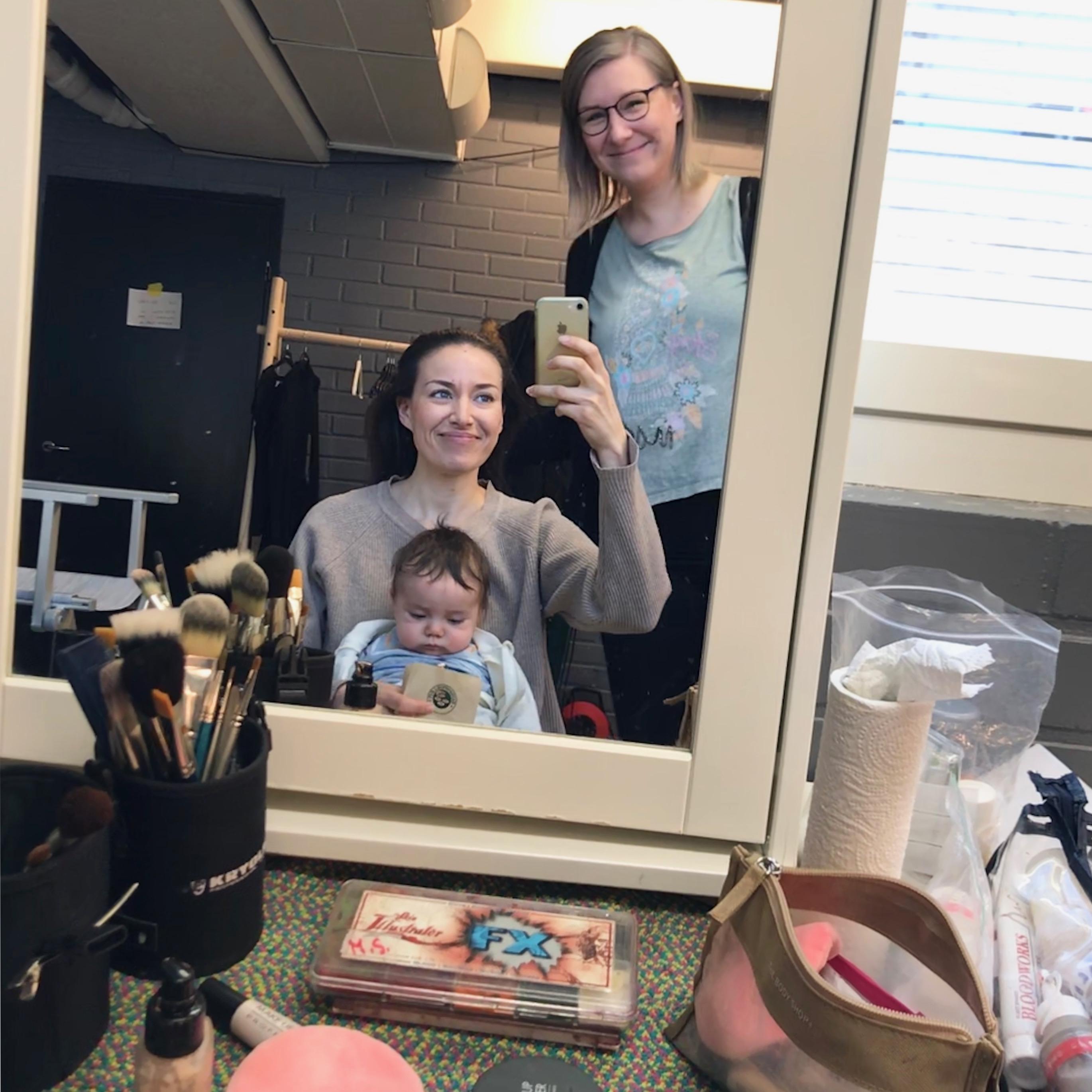 Kannattaako äitiyslomalla tehdä töitä?