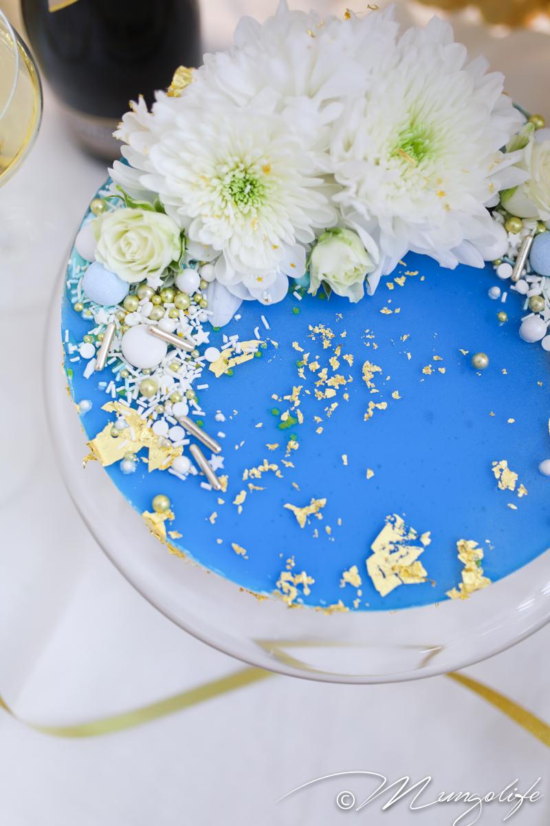 Säihkyvä kakku itsenäisyyspäivään