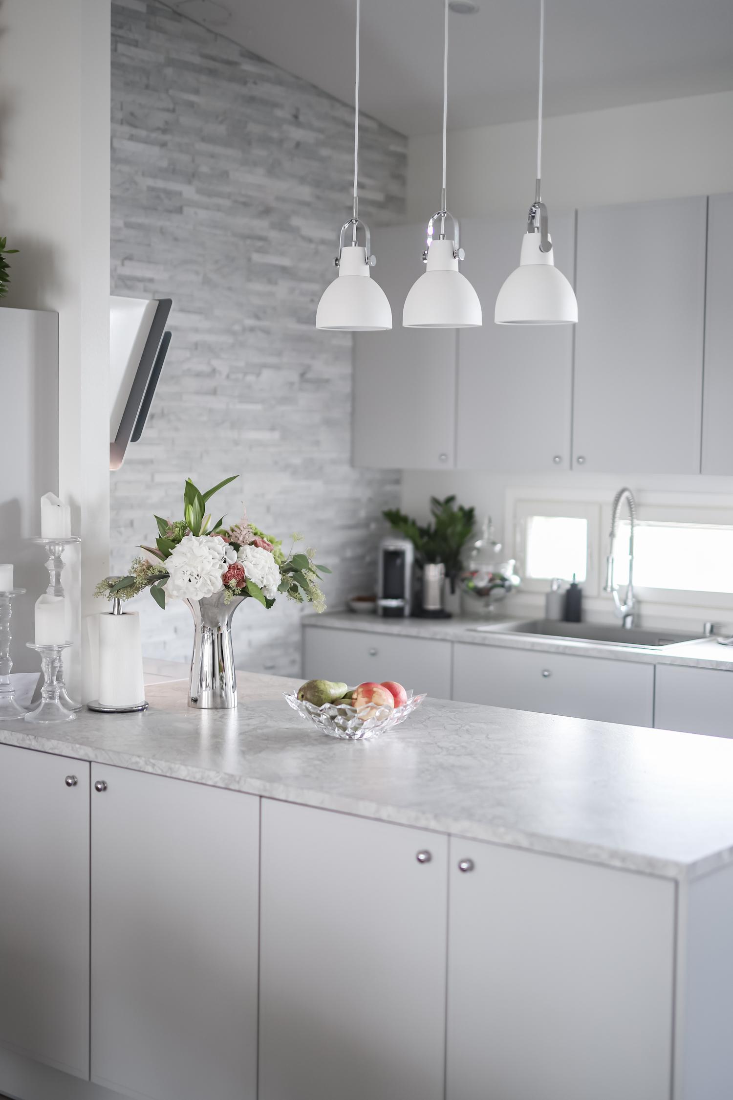 Kaunis, käytännöllinen keittiömme